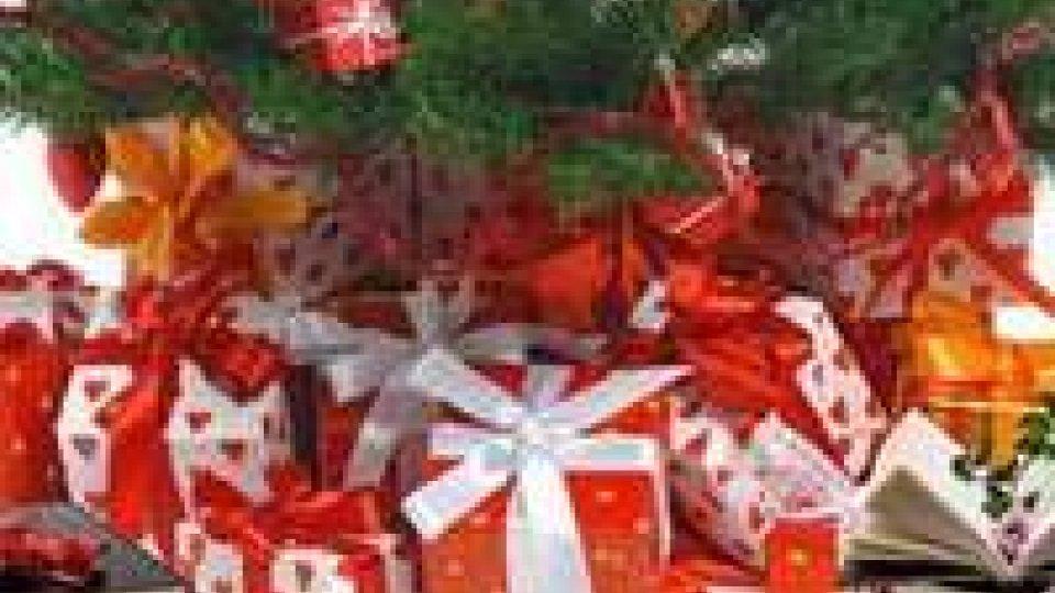"""Natale: torna l'iniziativa """"Un libro sotto l'albero"""""""