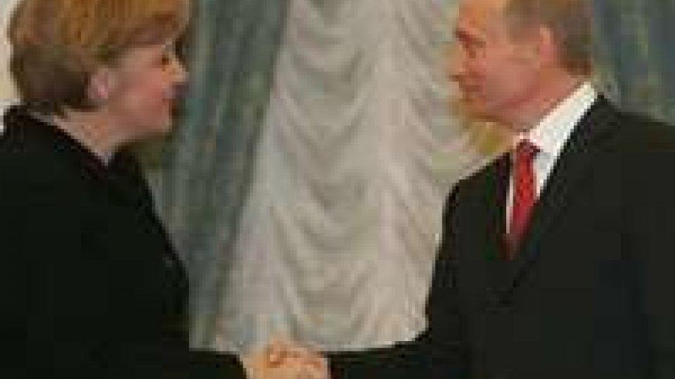 Vertice a Mosca oggi tra la cancelliera Merkel e il Presidente Vladimir Putin