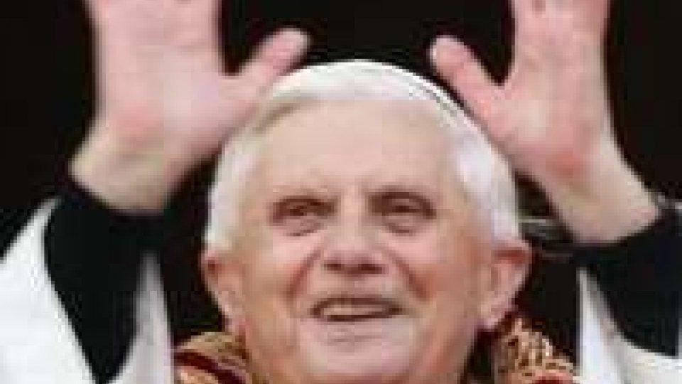 Dimissioni del Papa dovute all'età avanzata. Impegni di febbraio confermati