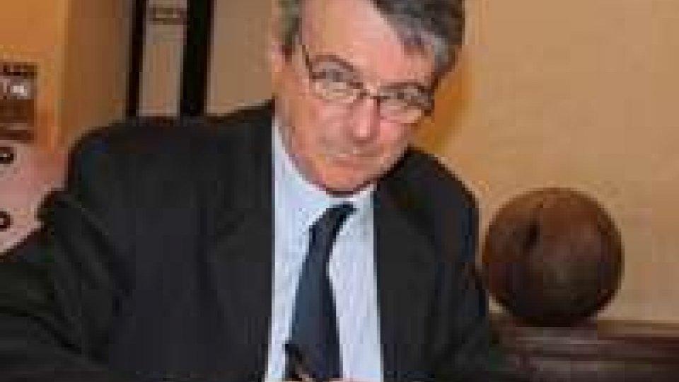 Istruzione e sprechi, la Segreteria risponde a CsdlTagli al righello