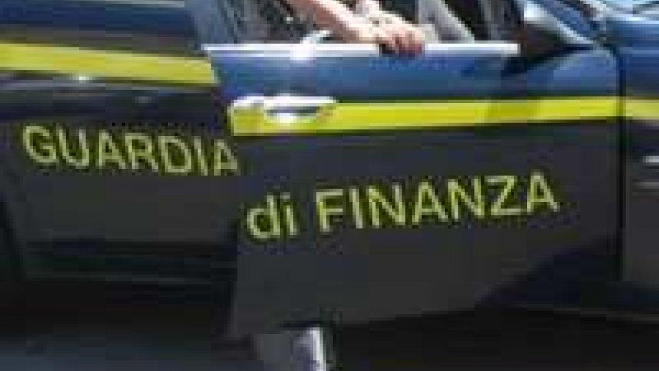 GdF scopre officina abusiva a Rimini