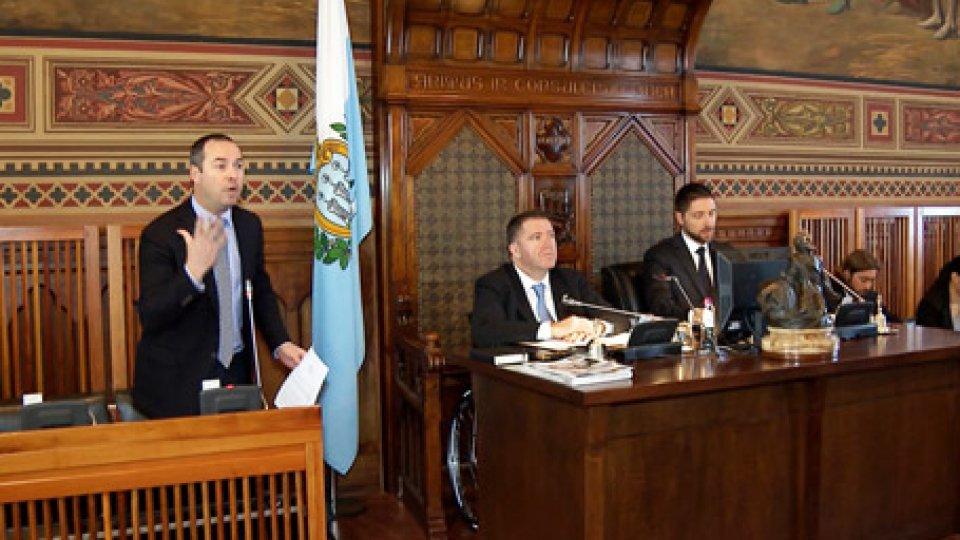 L'intervento di Teodoro LonferniniDa Celli a Carisp, l'intensa mattinata del Consiglio
