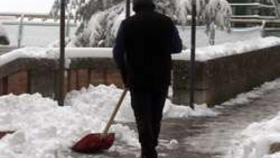 Neve: a San Marino, nel pomeriggio, strade completamente sgombre