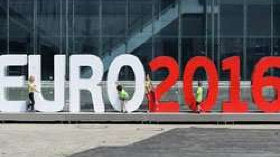 Euro 2016: Hollande, la minaccia esiste