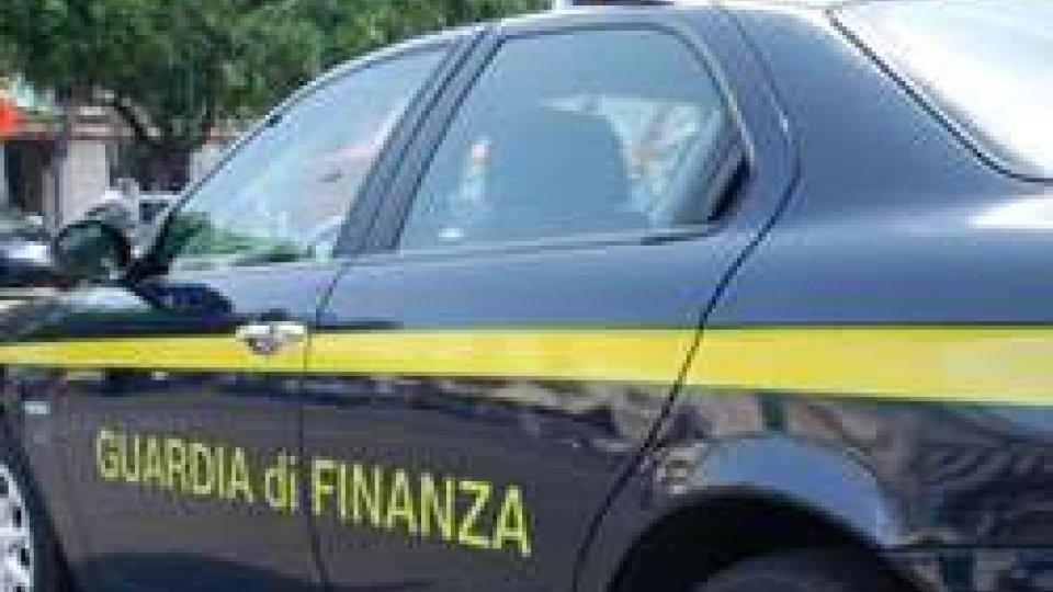 Rimini: contrabbandiere di sigarette denunciato dalla Guardia di Finanza