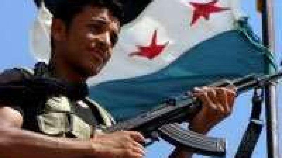 Stampa britannica: armi Usa a ribelli Siria, no asilo ad Assad