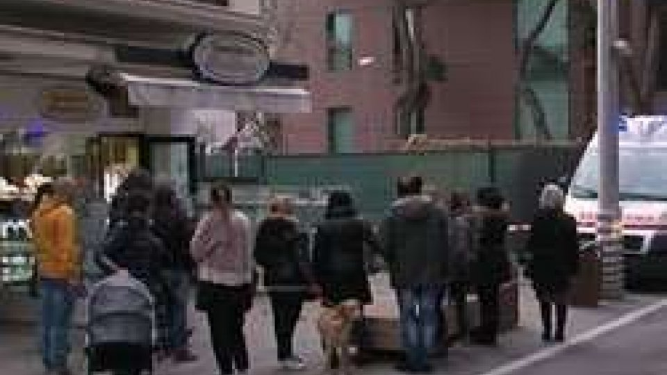 Riccione: assalto alla gioielleria Baldacci di viale DanteRiccione: assalto alla gioielleria Baldacci di viale Dante