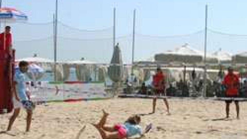 Nicolo' Bombini e Alice GrandiPescara 2015: beach tennis, Doppio Misto San Marino - Egitto 2-0