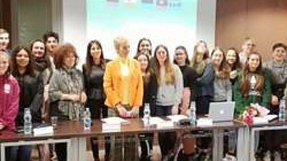 Presentata all'aeroporto di Rimini una guida turistica realizzata dagli studenti