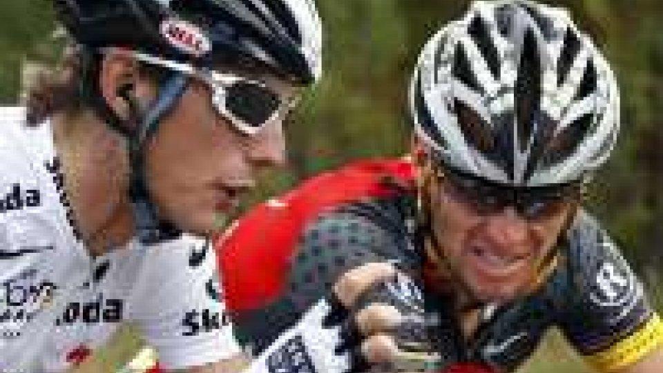 """Armstrong all'attacco: """"Aiuti nel ciclismo? Da sempre"""". Intanto Frank Schleck salta il Tour per positività allo Xipamide"""