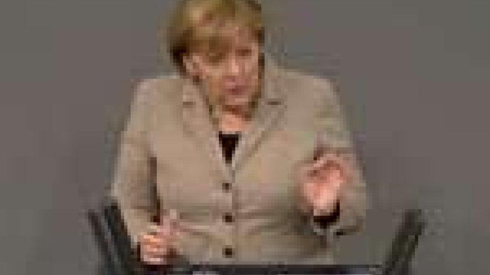 La Merkel parla al Bundestag: per uscire dalla crisi misure pesanti e dolorose