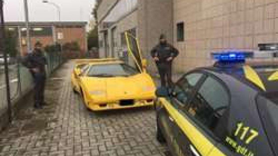 Una delle Lamborghini sequestrate