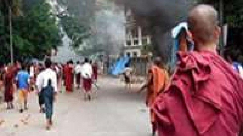 Birmania: scontri buddisti musulmani