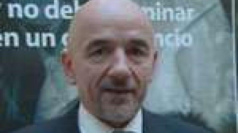 """Stolfi presenta alla Reggenza la pubblicazione """"Migrazioni e Sviluppo"""""""