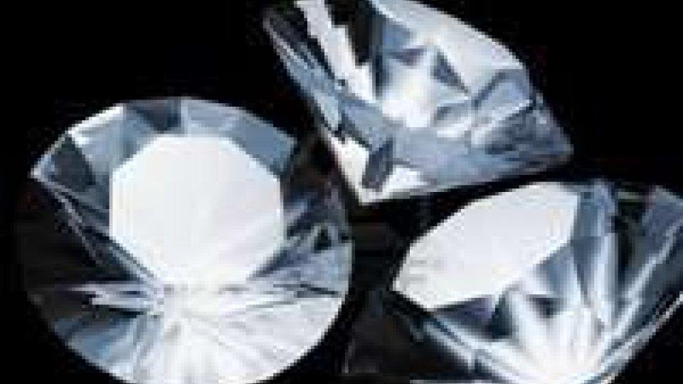 Bruxelles: rapinati in aeroporto 10 kg di diamanti