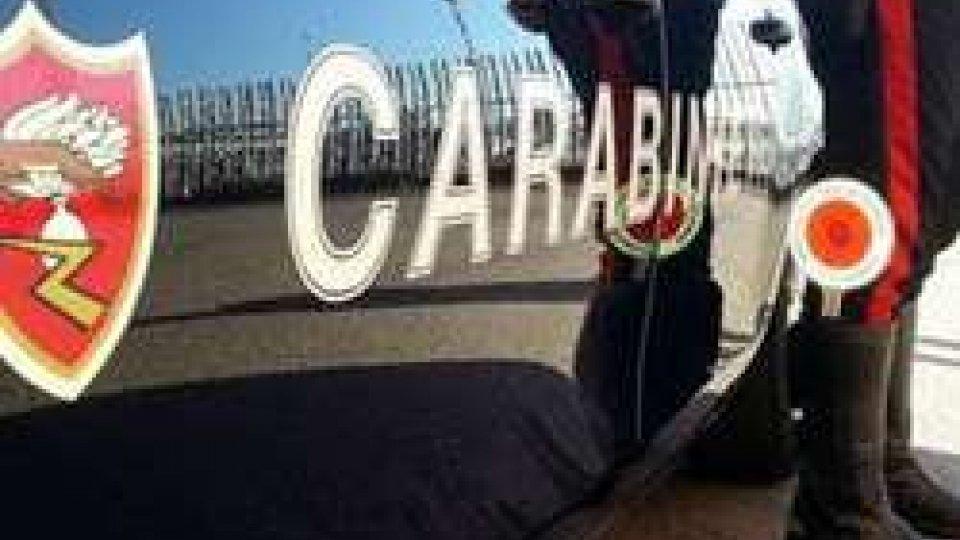 Rimini: ruba portafoglio a pensionato, che lo rincorre, poi interviene carabiniere fuori servizio