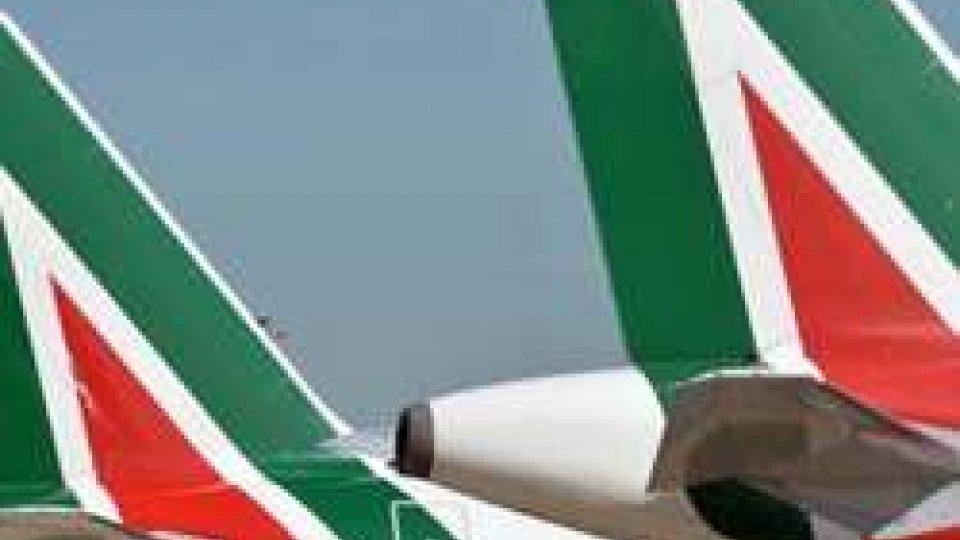 Alitalia: c'è accordo, trattativa contratto dopo piano