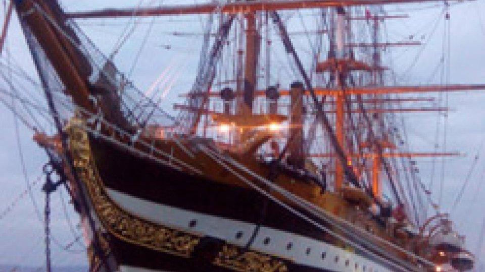 Il Dg Romeo dalla Nave VespucciNave Vespucci naviga a vela davanti alle coste inglesi: diario di bordo del Dg Carlo Romeo