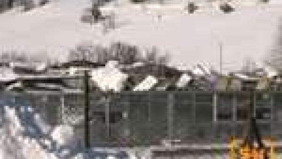 Timori dei residenti di Faetano dopo il crollo del capannone in Eternit crollato sotto la neve