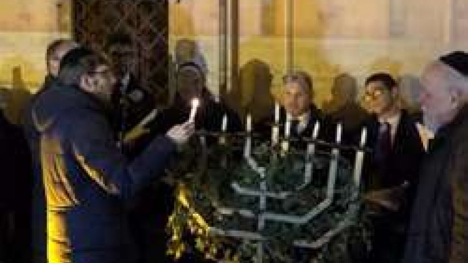 Festa di Hanukkà sull'isola Tiberina per la comunità ebraica di Roma