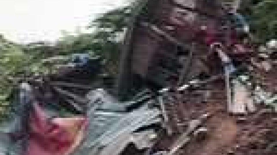Frana distruttiva nelle Filippine: 25 morti e un centinaio di dispersi