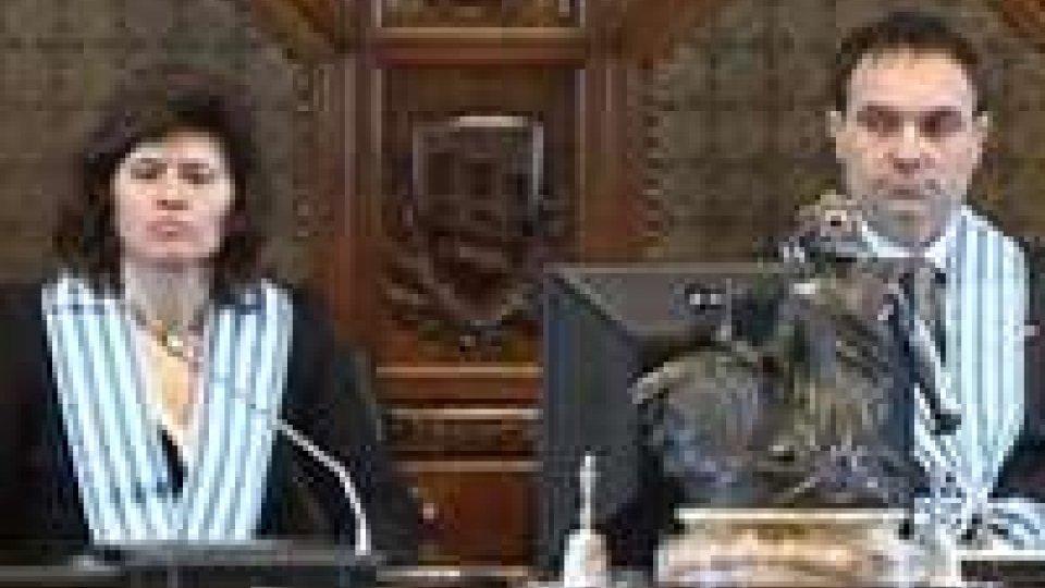 L'indirizzo di congedo dei Capitanti Reggenti Antonella Mularoni e Denis Amici