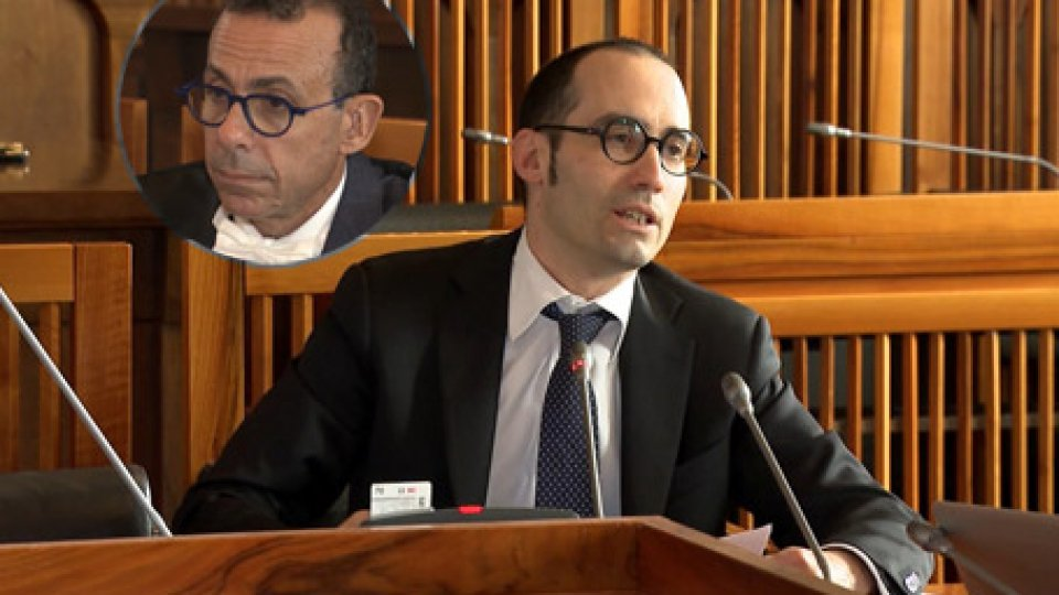 Nel tondino: Giovanni GuzzettaGiustizia: Renzi smentisce privilegi e forzature nello stipendio di Guzzetta