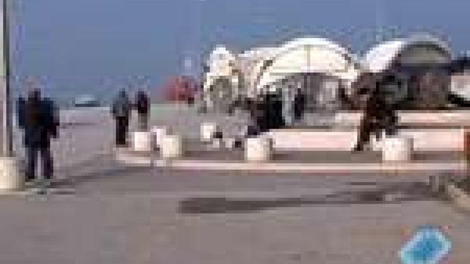 Rimane la passeggiata sulla palata del porto di Rimini
