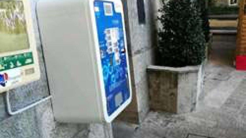Installato il Distributore automatico di profilattici vicino alle Scuole Superiori