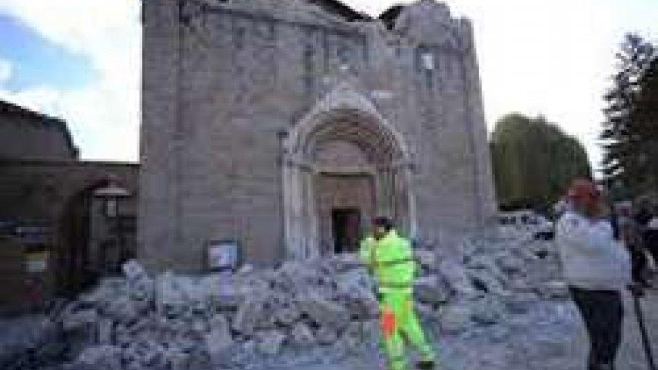 Amatrice: scossa 3.8 nella notte, crolla parete chiesa