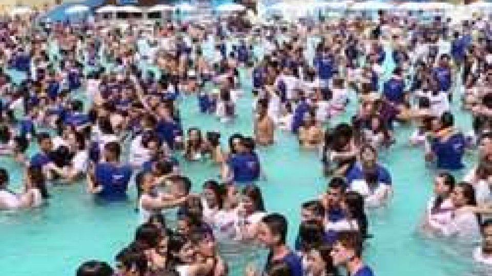 Record: ad Aquafan il ballo più grande del mondo