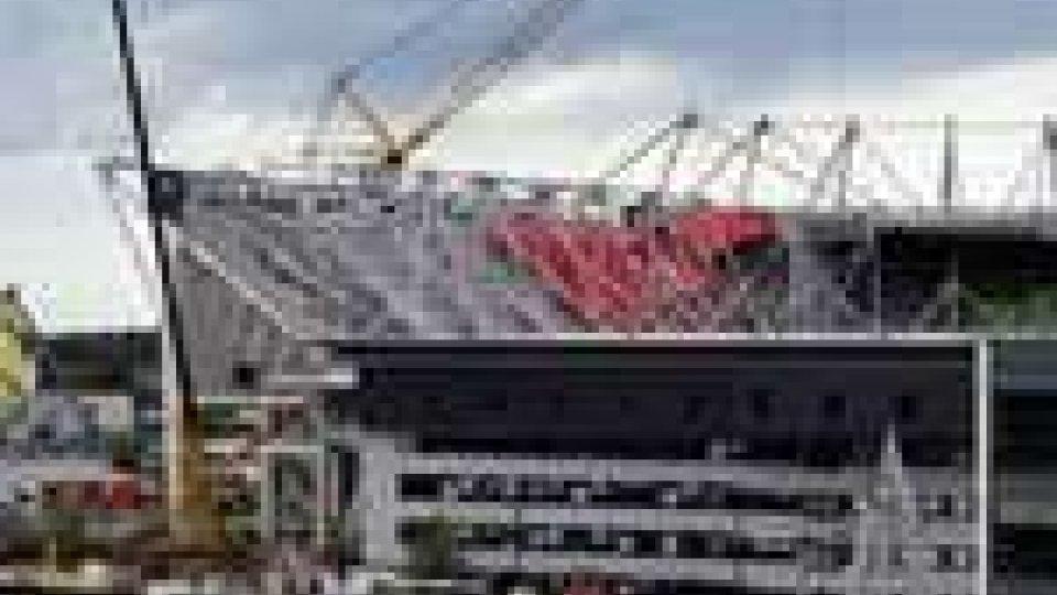 Crolla una parte diuno stadio Olandese: 1 morto e 14 feriti