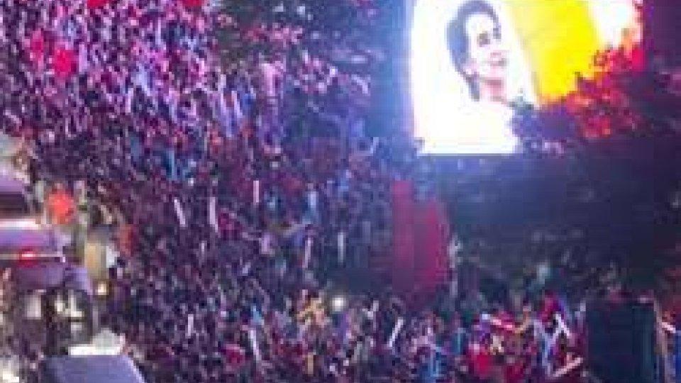 Elezioni Birmania: ufficiale la vittoria di Aung San Suu Kyi