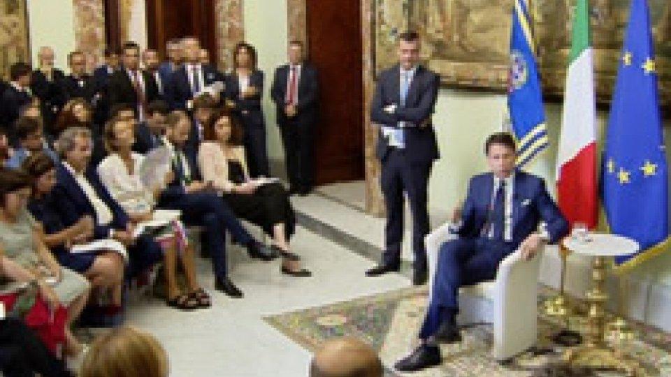Il Premier Giuseppe Conte con i giornalistiConferenza stampa: il Premier Conte a tutto campo sui temi caldi della politica italiana