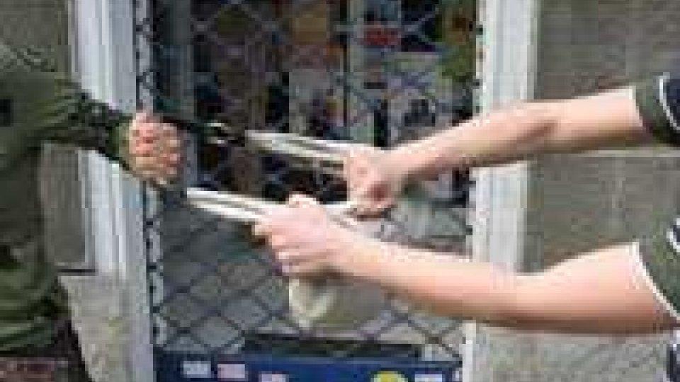 Bologna: scippano donna, riescono a scappare