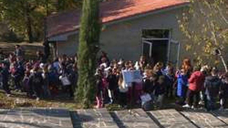 Scuola di FiorentinoGiornata degli alberi: piantumazione alle scuole di Fiorentino