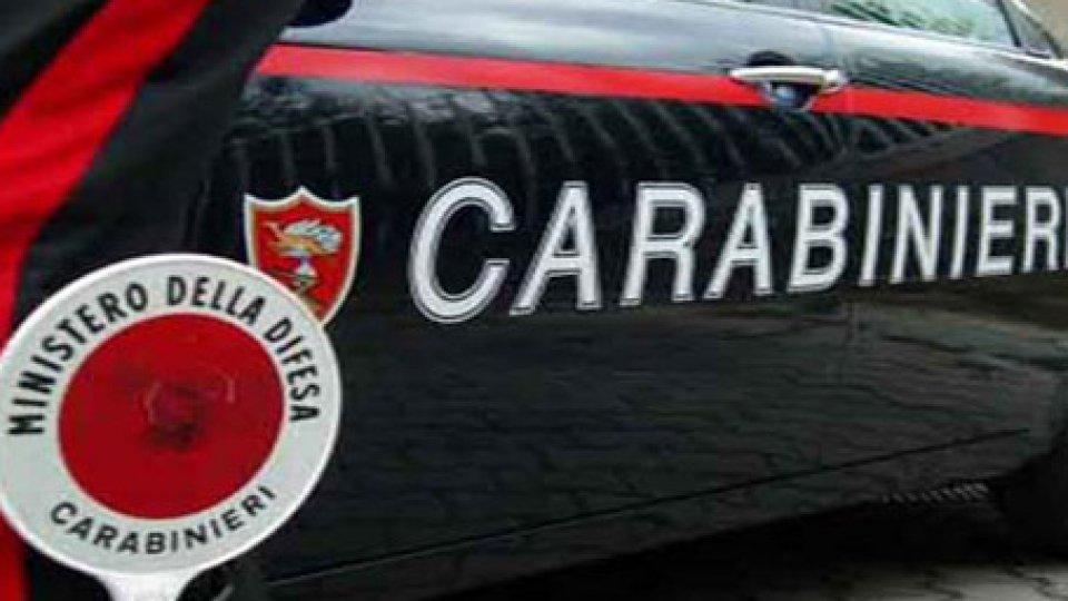 Rimini: colpisce la compagna e le rompe il cellulare, arrestato