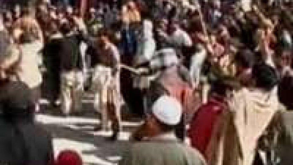 Afghanistan: copie corano bruciate, si scatena protesta?