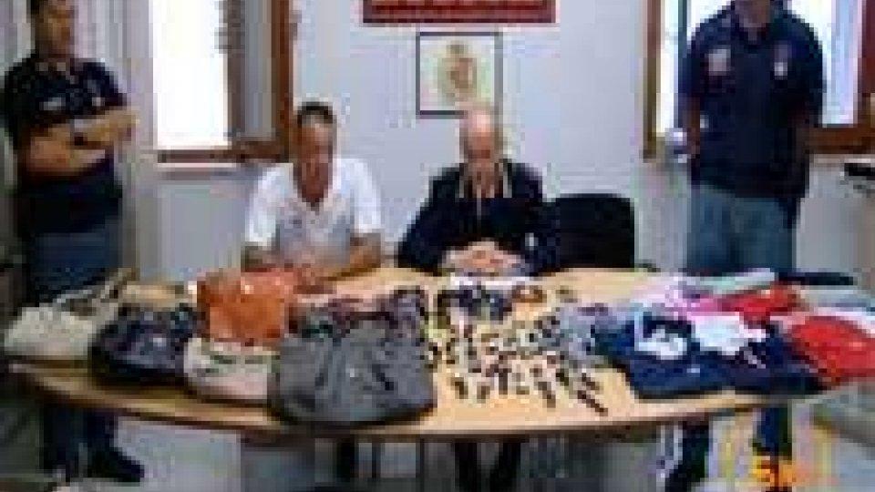 La squadra nautica della questura ha sequestrato merce per 15mila euroUn'altra operazione antiabusivismo sul litorale di Rimini