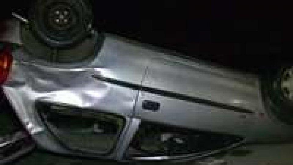 Auto nel fiume Cesena: perde la vita un 19enneAuto nel fiume a Cesena: perde la vita un 19enne