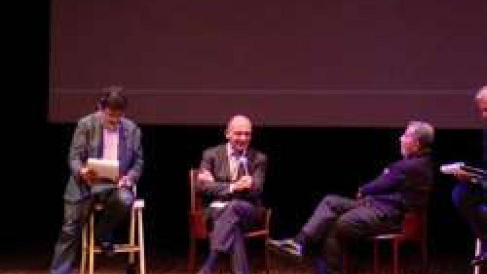 """Prodi e Letta nell'""""Instant Theatre"""" di BertolinoCesenatico, ospiti di alto livello per la Summer School della Scuola di politiche"""