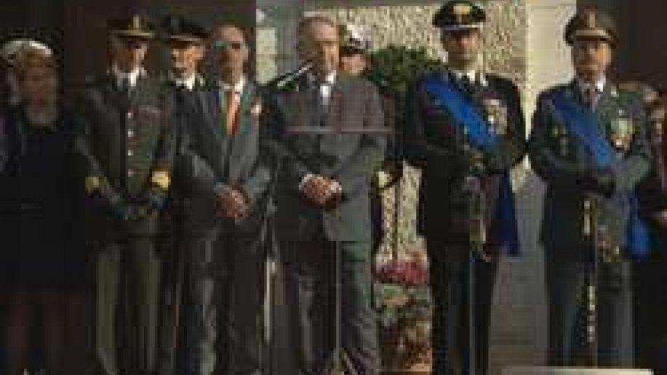 Pesaro: in piazza le festa delle Forze ArmatePesaro: in piazza le festa delle Forze Armate