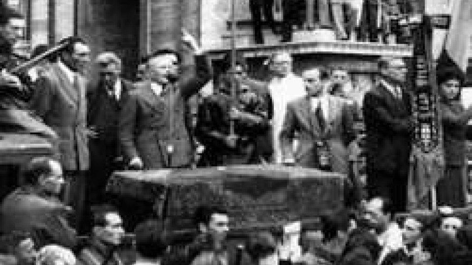 25 aprile 1945: l'insurrezione partigiana libera il nord Italia dal dominio nazista