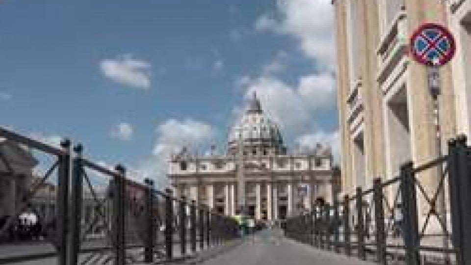 """VaticanoIl Giubileo volge al termine, monsignor Fischella: """"Almeno 20 milioni di pellegrini a Roma"""""""