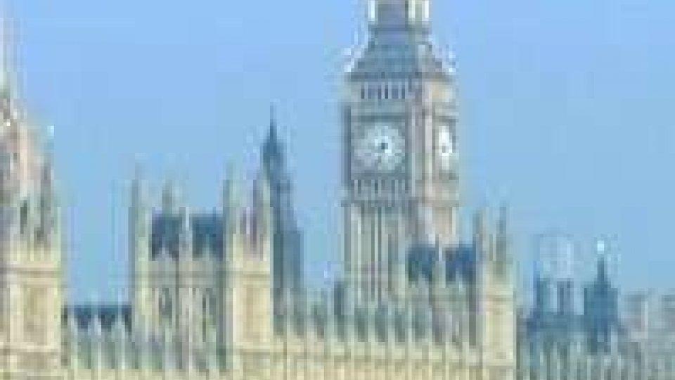 Le autorità inglesi bloccano all'aeroporto un sammarinese e lo rispediscono a casa