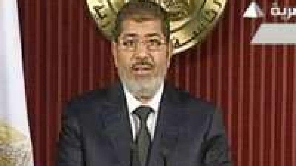 """Egitto, Morsi: """"Referendum trasparente"""""""