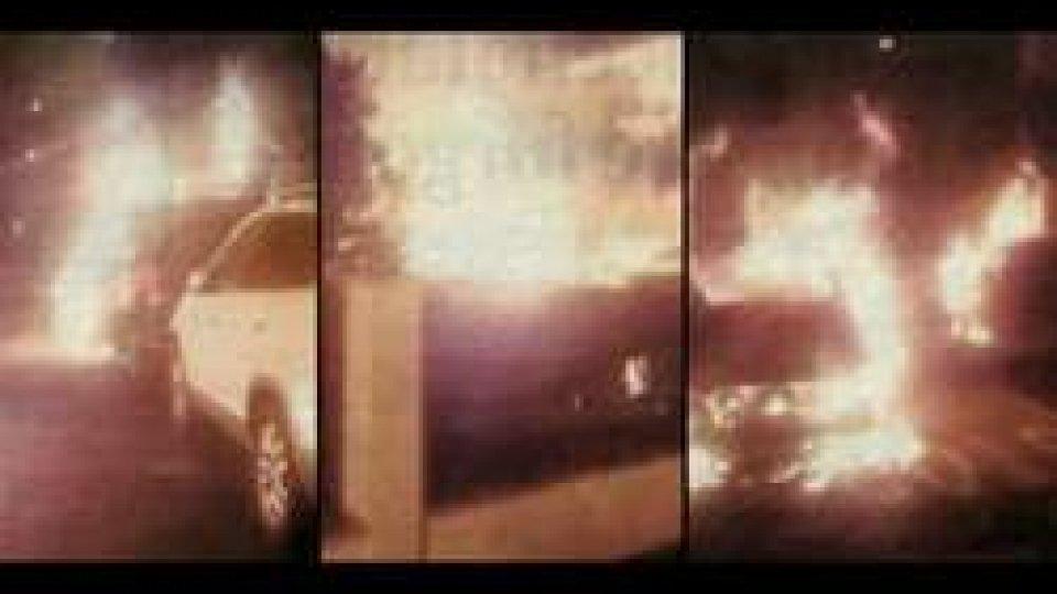 Attentato incendiario a Rimini: a fuoco tre furgoni di una ditta sammarinese