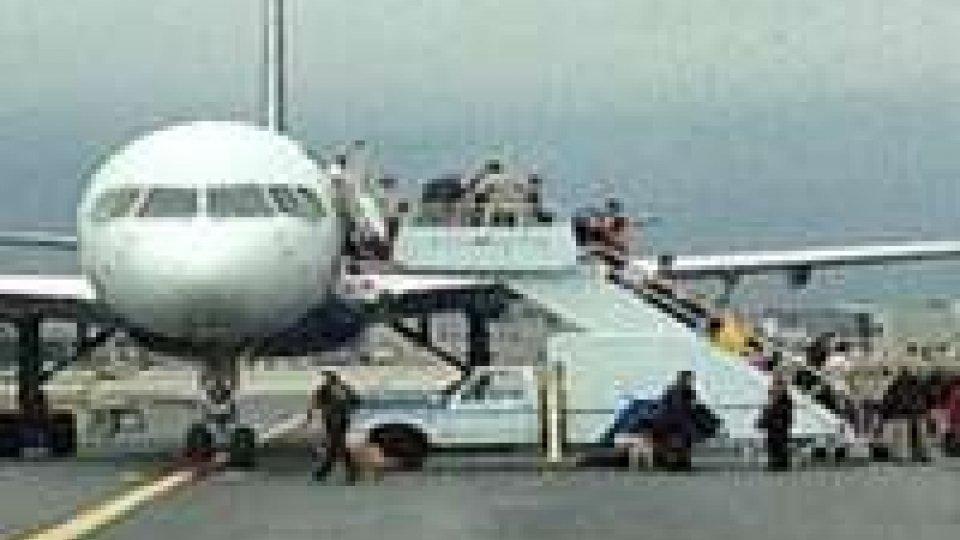 Paura per falso allarme bomba su un aereo a Filadelfia
