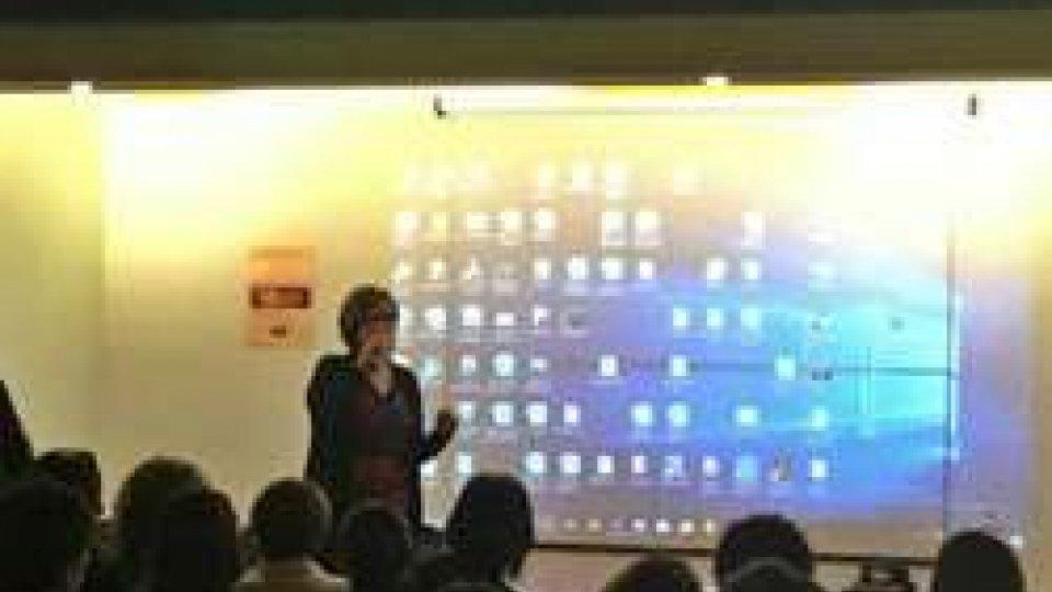 Per il safer internet day, a Pennabilli la scuola schiera in campo: gli autori di #MaiPiùBullismo, i Carabinieri e tantissimi genitori e ragazzi