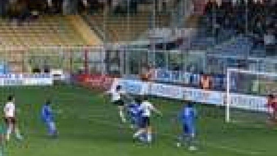il colpo di testa di Volta per il secondo gol del Cesena